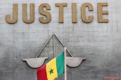 palais_justice_dakar_drapeau_flag-06-06-2014_03.06.09.jpg