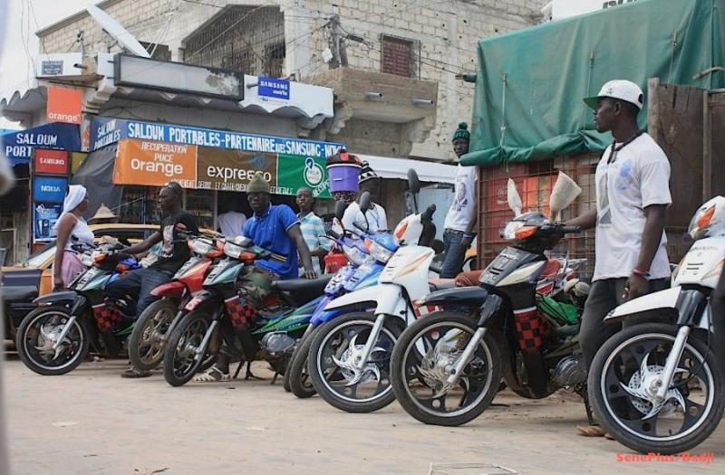 Comment conduire une moto jakarta